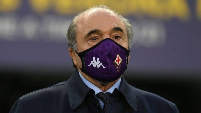 Commisso con la mascherina della Fiorentina