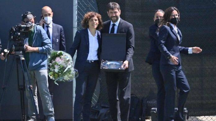 Andrea Agnelli in compagnia dell'allenatore della Juventus femminile Rita Guarino