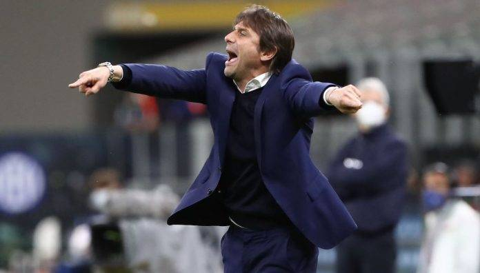 Antonio Conte dà indicazioni
