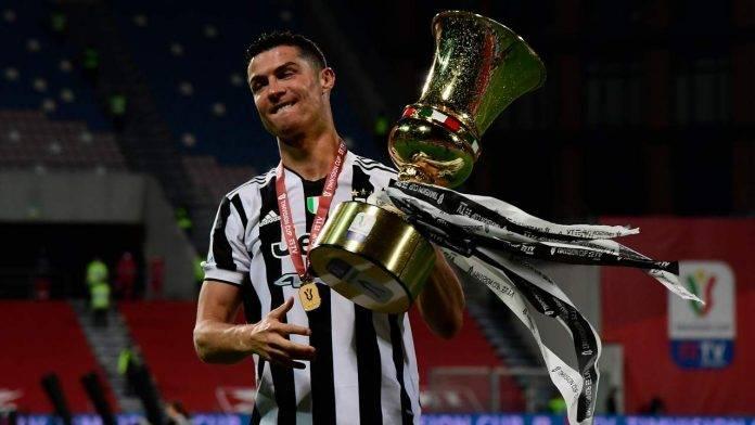 Ronaldo con la Coppa Italia