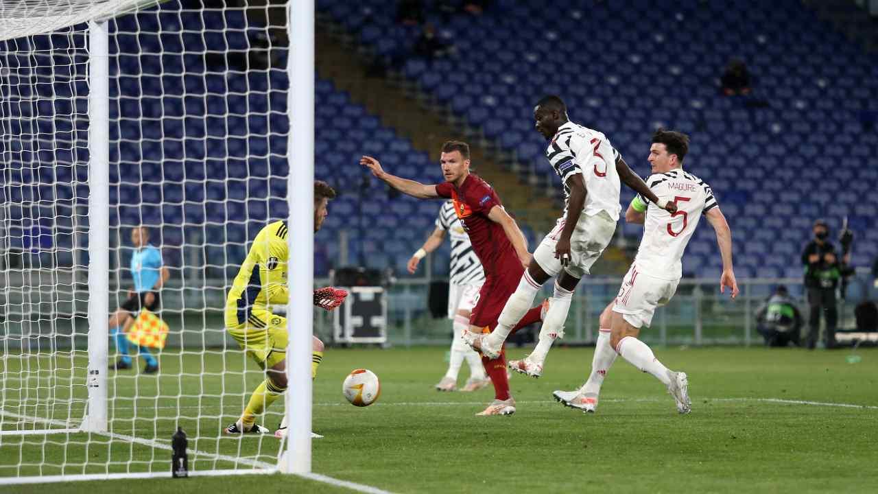 Il gol di Dzeko in Roma-Manchester United