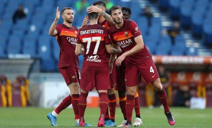 L'esultanza dei calciatori della Roma