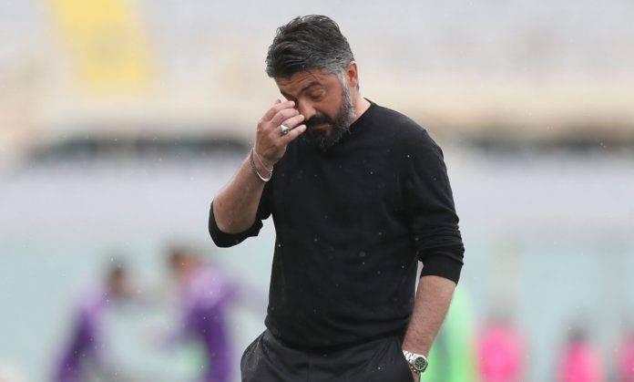 Gennaro Gattuso si gratta il viso