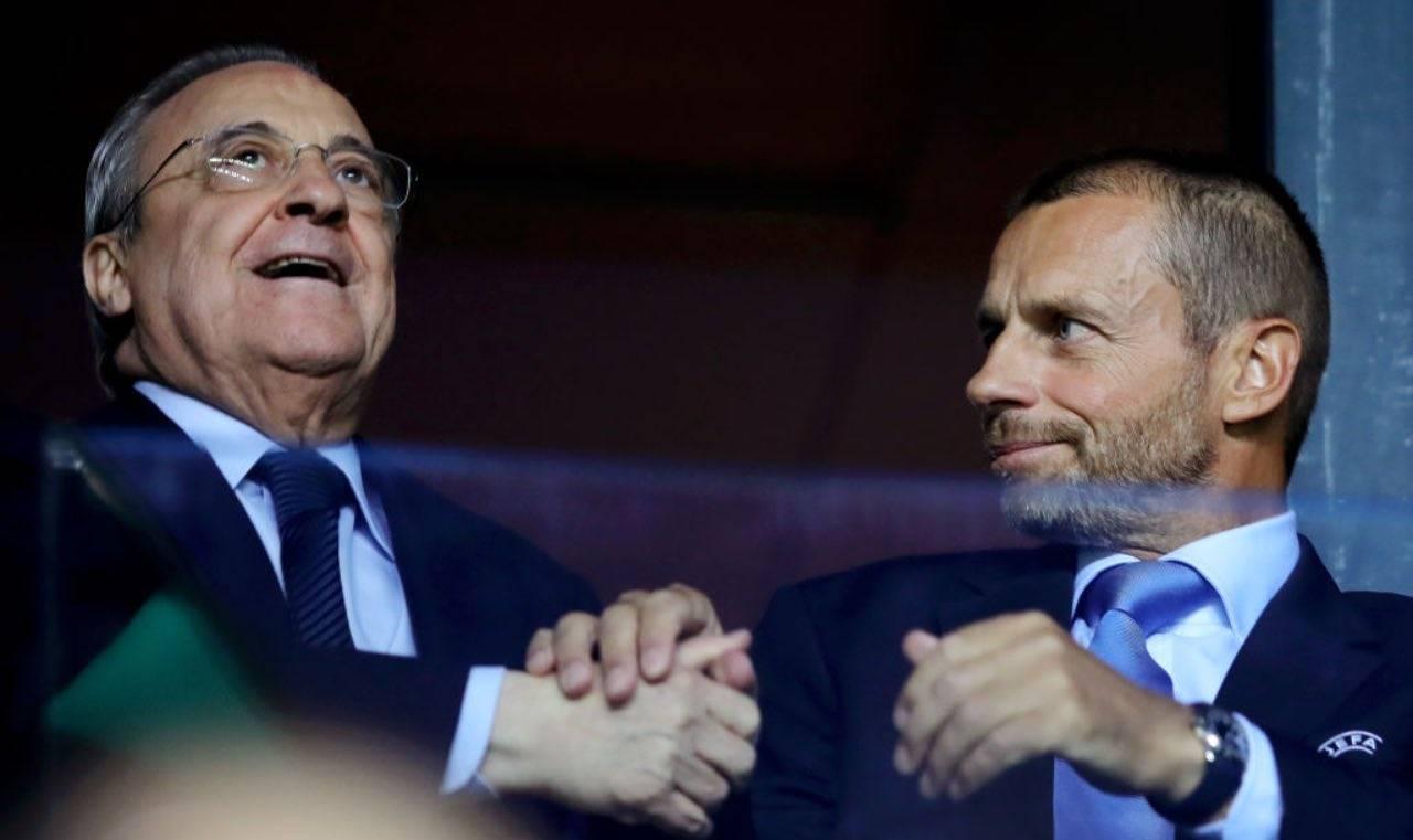 Ceferin e Florentino Perez in tribuna