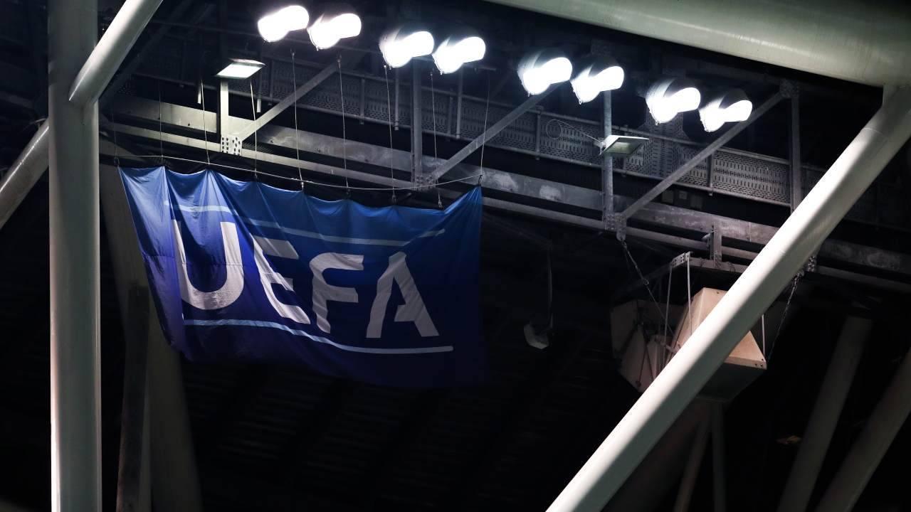 Striscione Uefa