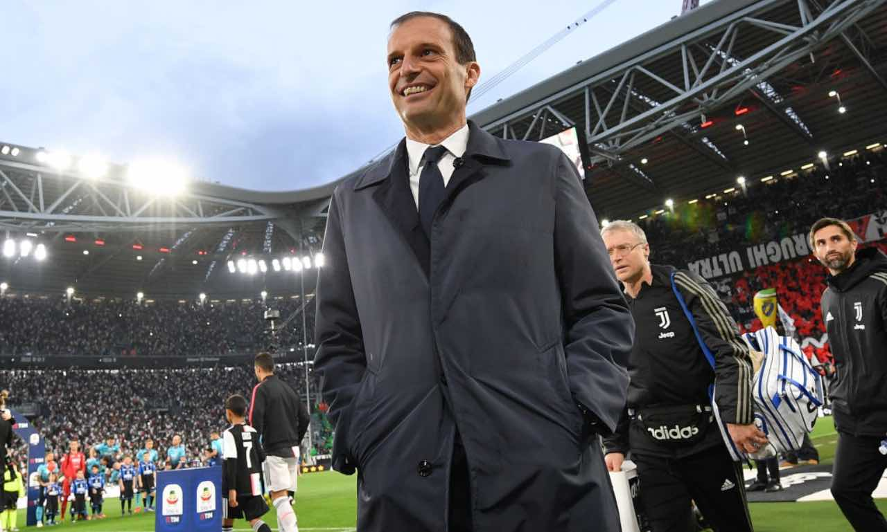 Allegri festeggia l'ultimo trofeo con la Juventus