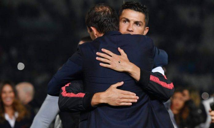 Allegri e Ronaldo si abbracciano