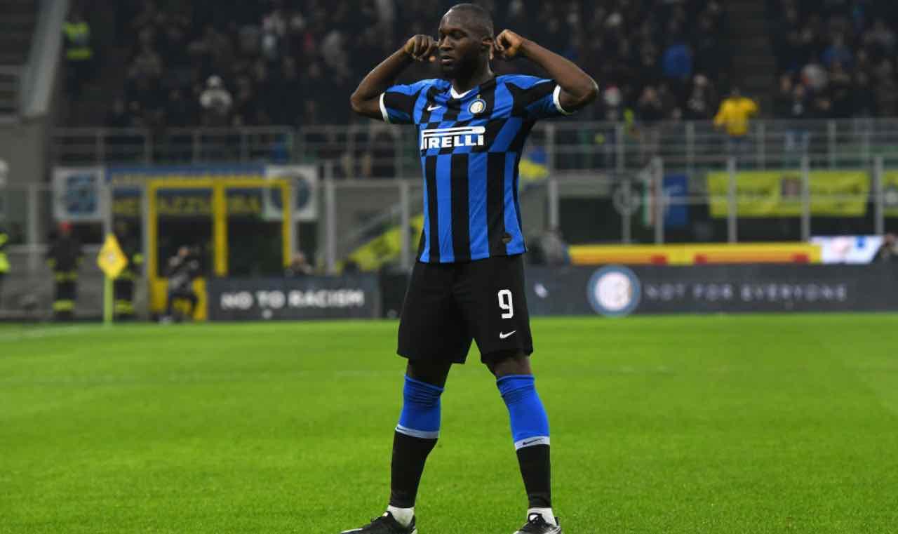 Lukaku esulta dopo un gol con l'Inter