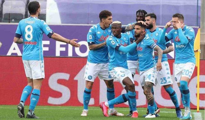 giocatori Napoli esultano