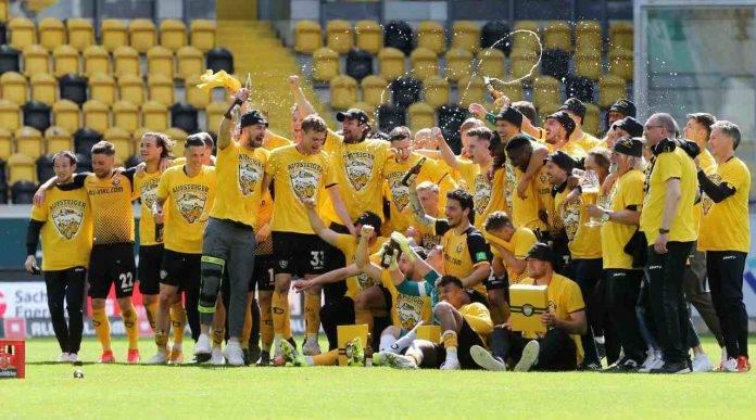 Festa promozione Dinamo Dresda