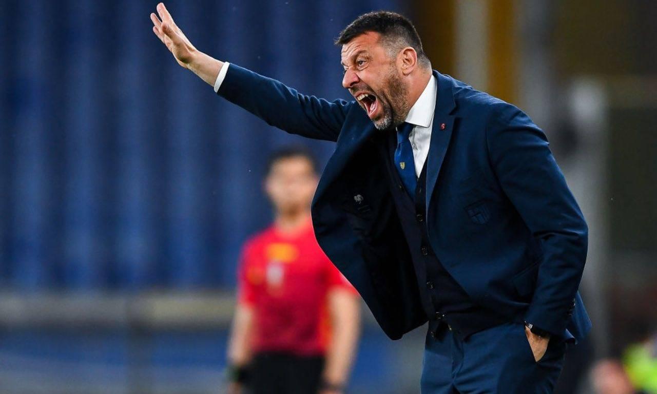 D'Aversa dirige dalla panchina in Sampdoria-Parma