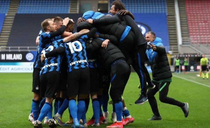 L'Inter festeggia dopo un gol