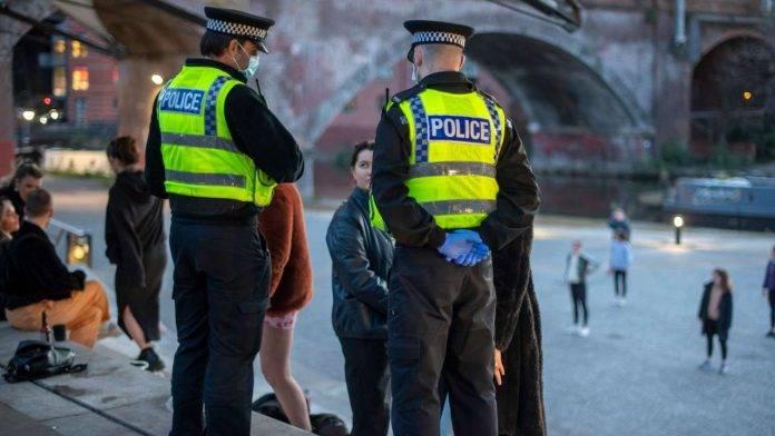 Polizia inglese in azione