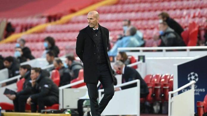 Zidane pensieroso