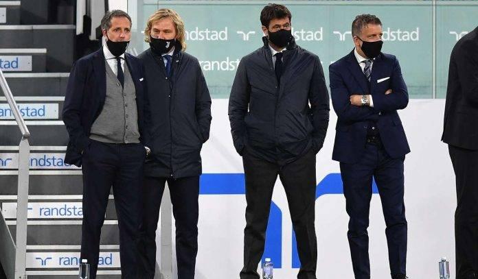 La dirigenza della Juventus schierata