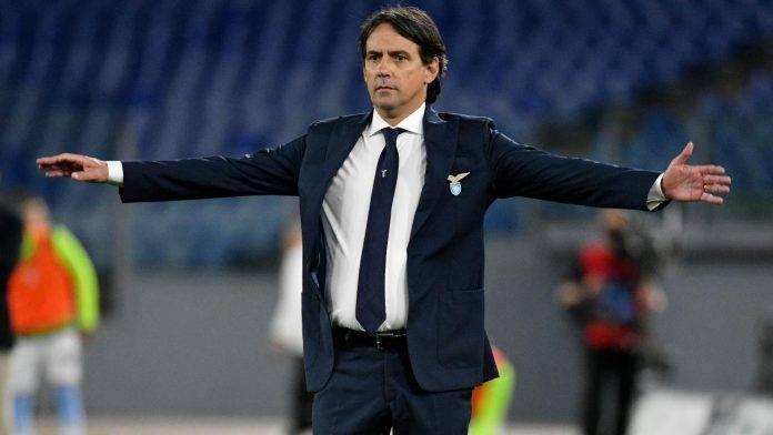 Simone Inzaghi allarga le braccia