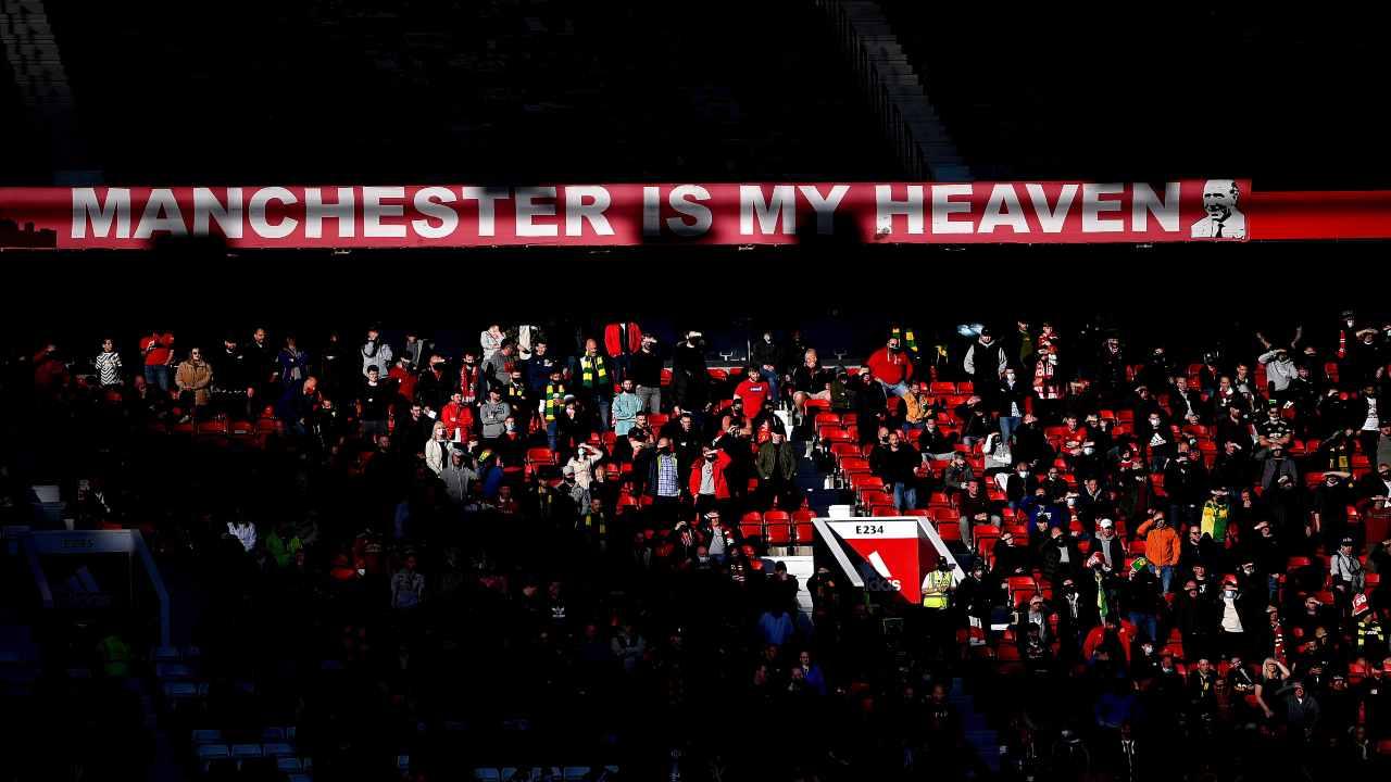 Old Trafford con i tifosi