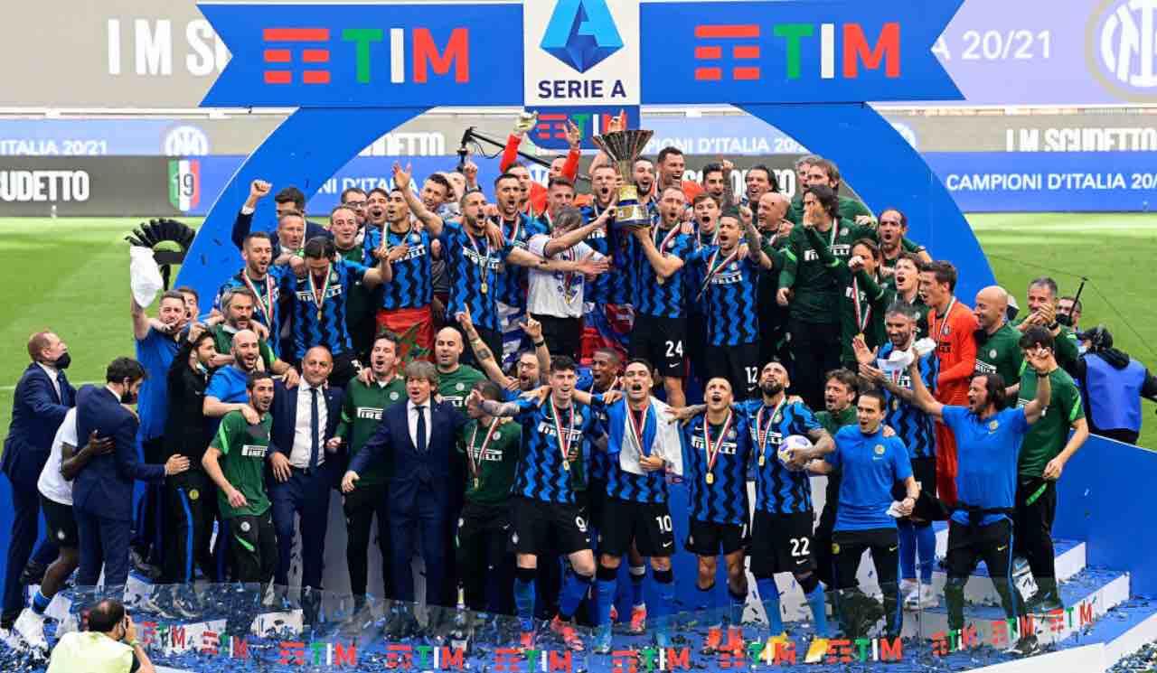 L'Inter festeggia lo scudetto al Meazza