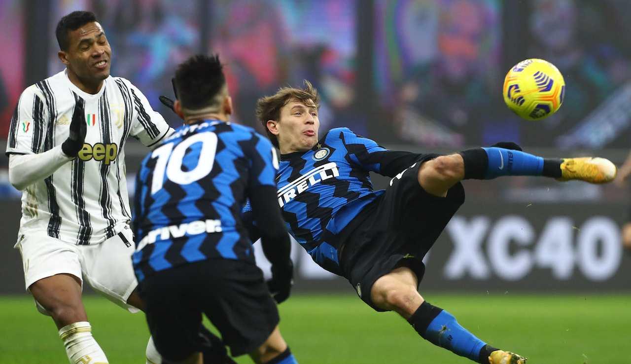 Inter-Juventus, Barella prova un'acrobazia