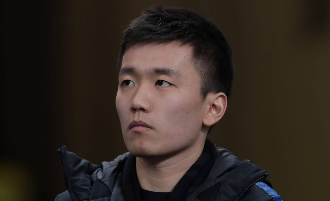 Zhang osserva