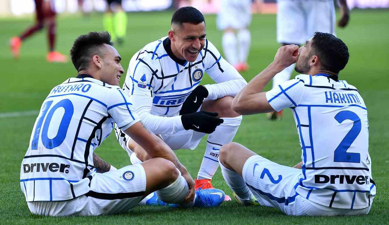 Lautaro, Hakimi e Sanchez esultanza particolare