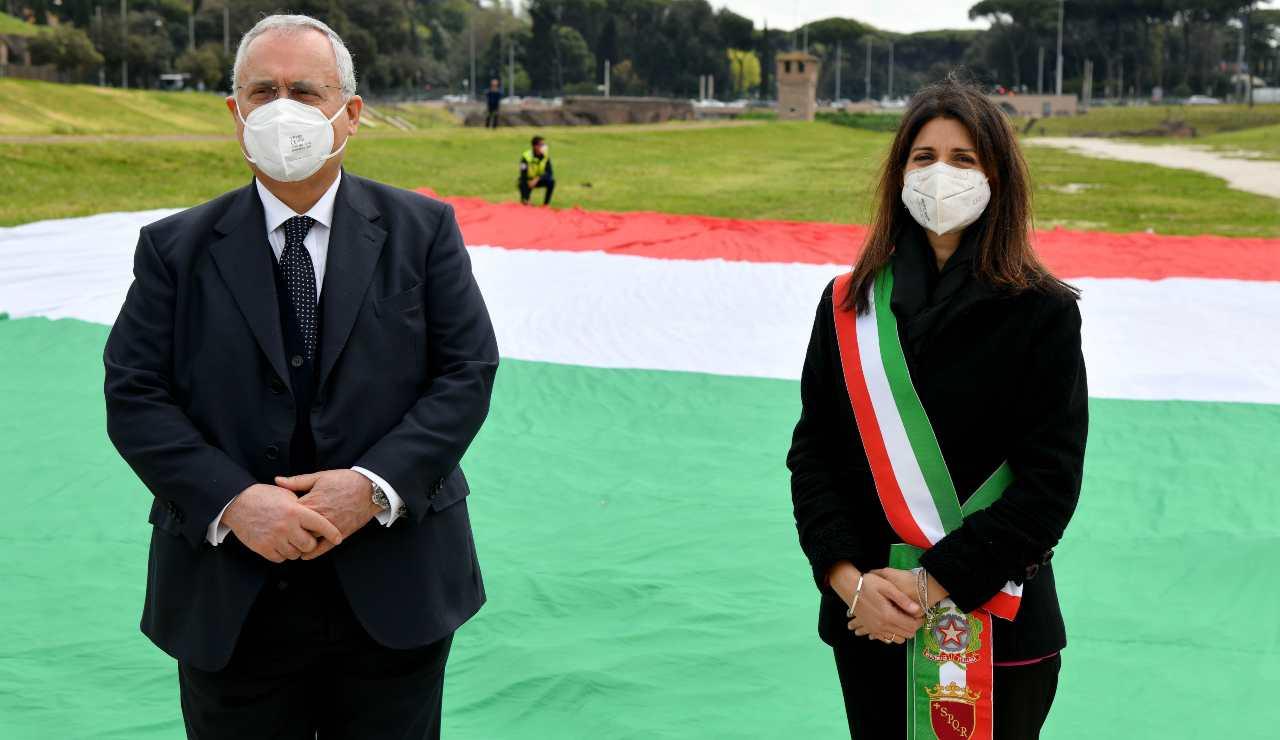 Claudio Lotito e Virginia Raggi durante un evento istituzionale