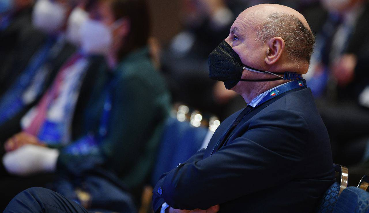 Giuseppe Marotta con la mascherina