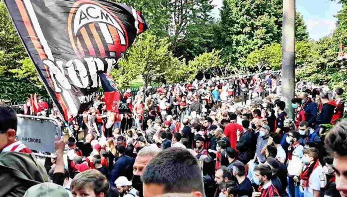 Cinquemila tifosi del Milan a Milanello