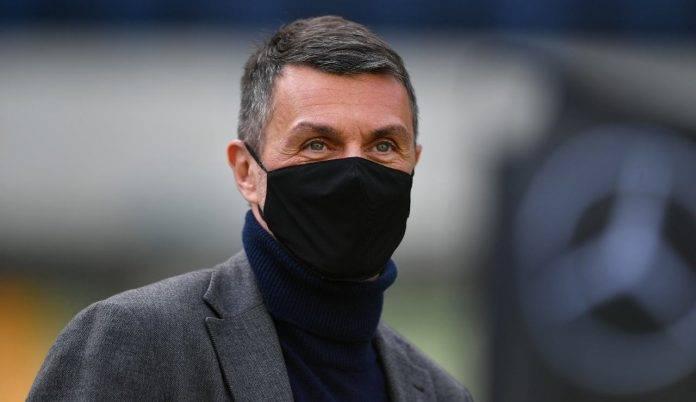 Il dt del Milan Paolo Maldini con la mascherina