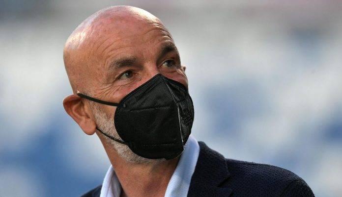 Stefano Pioli con mascherina