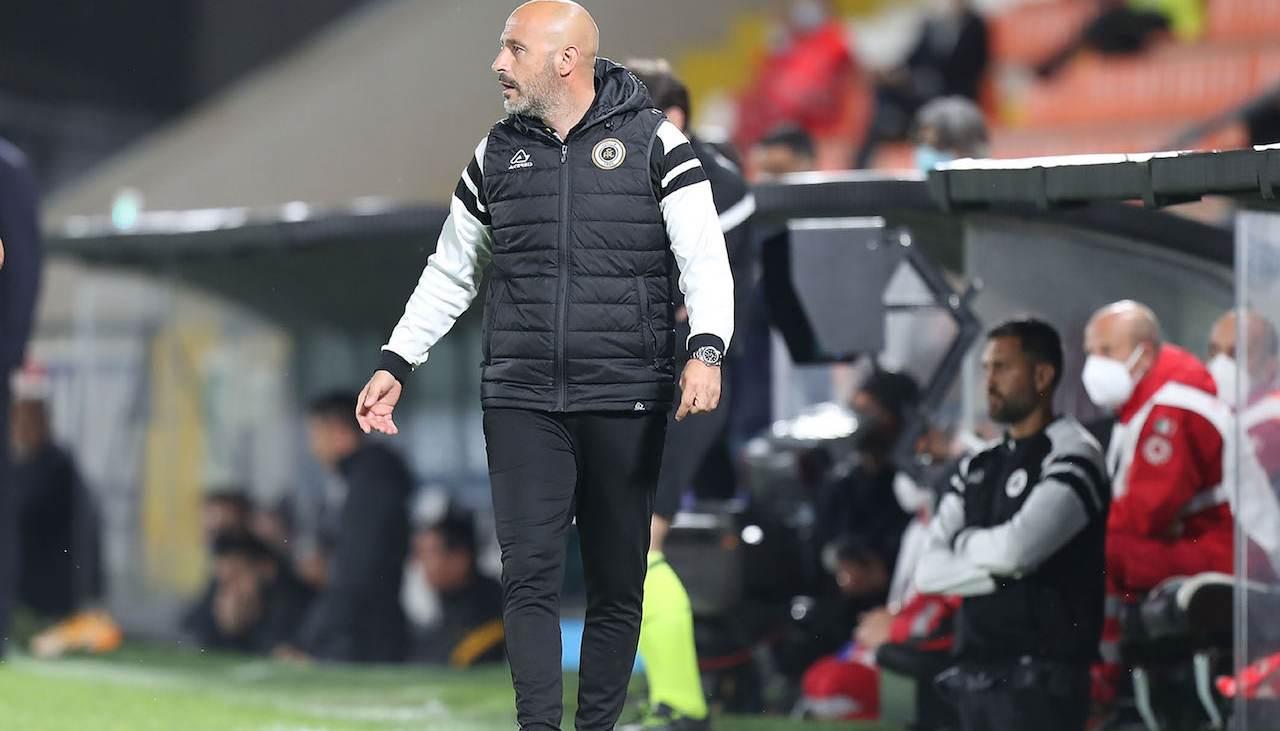 Vincenzo Italiano guida lo Spezia in panchina