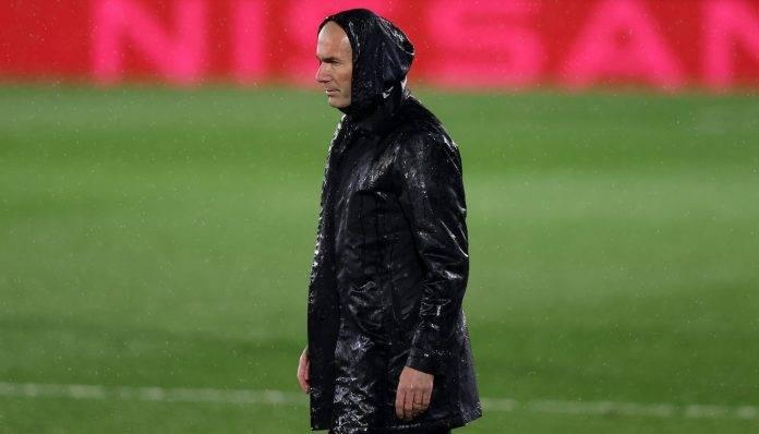 Zidane sotto la pioggia