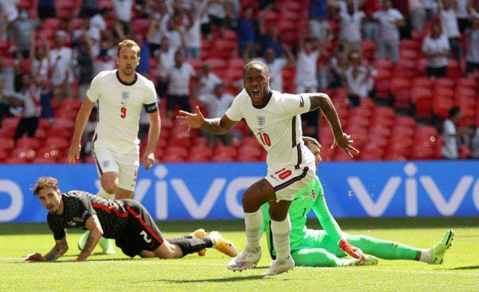 L'esultanza di Sterling dopo il gol