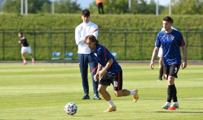 Kramaric e Modric in allenamento