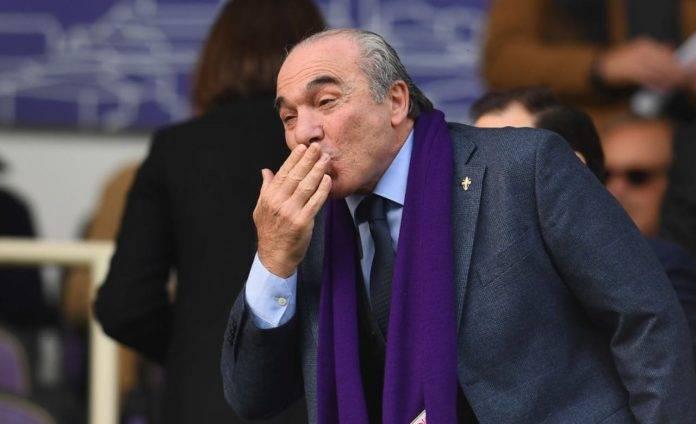 Rocco Commisso manda un bacio a qualcuno