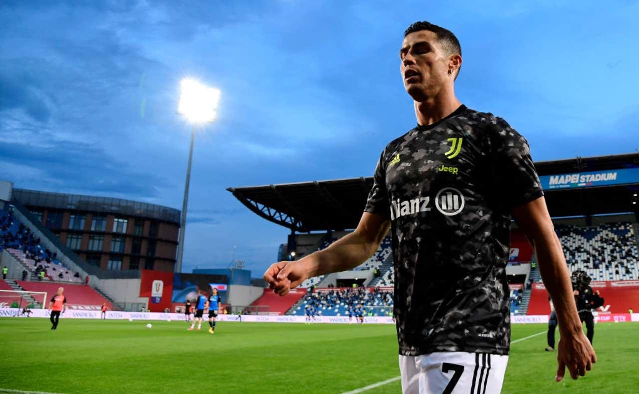Cristiano Ronaldo esce dal campo