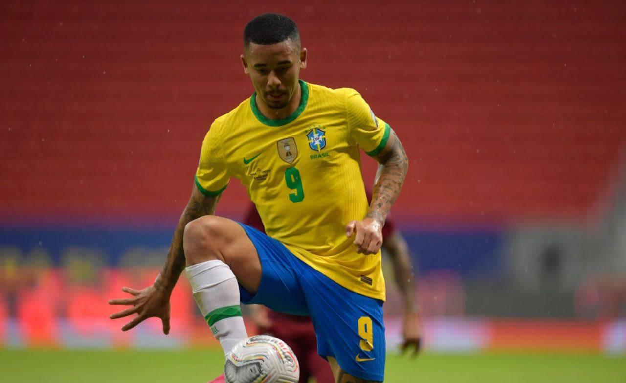 Gabriel Jesus con la maglia del Brasile