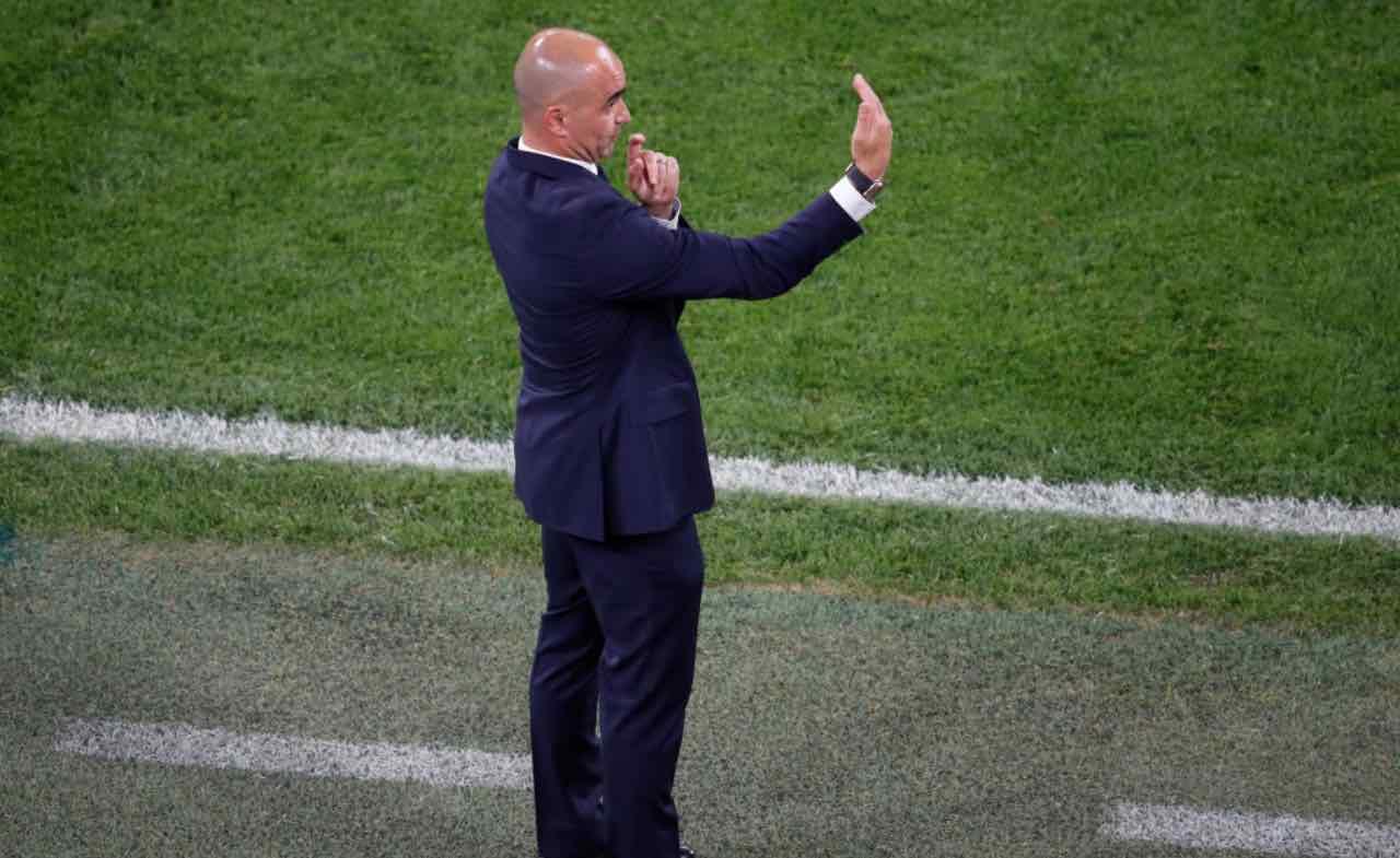 Roberto Martinez dà indicazioni alla squadra