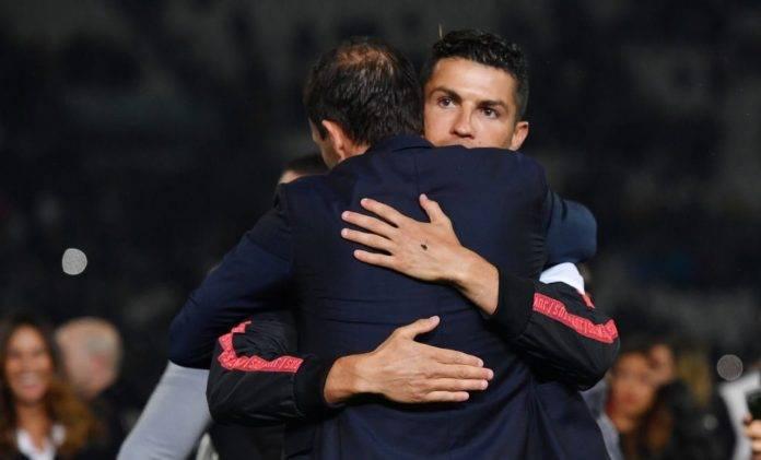Ronaldo e Allegri si abbracciano