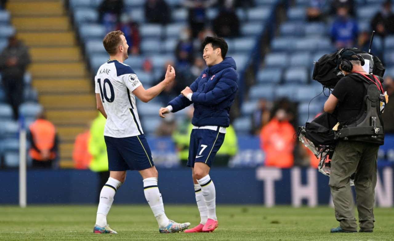 Kane e Son festeggiano un gol