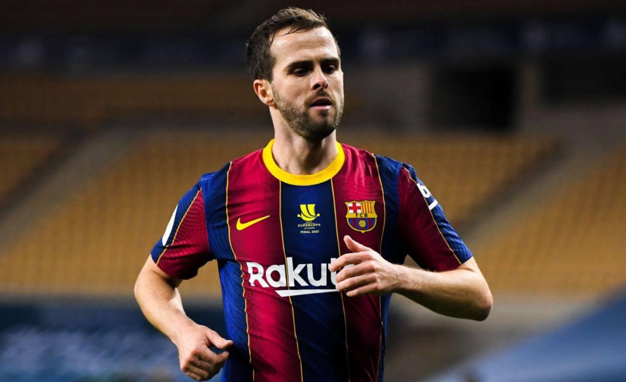 Pjanic con la maglia del Barcellona