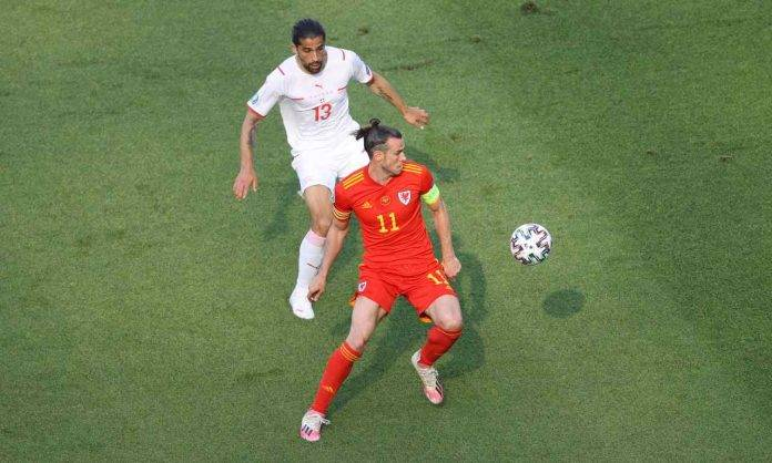 Rodriguez e Bale in azione