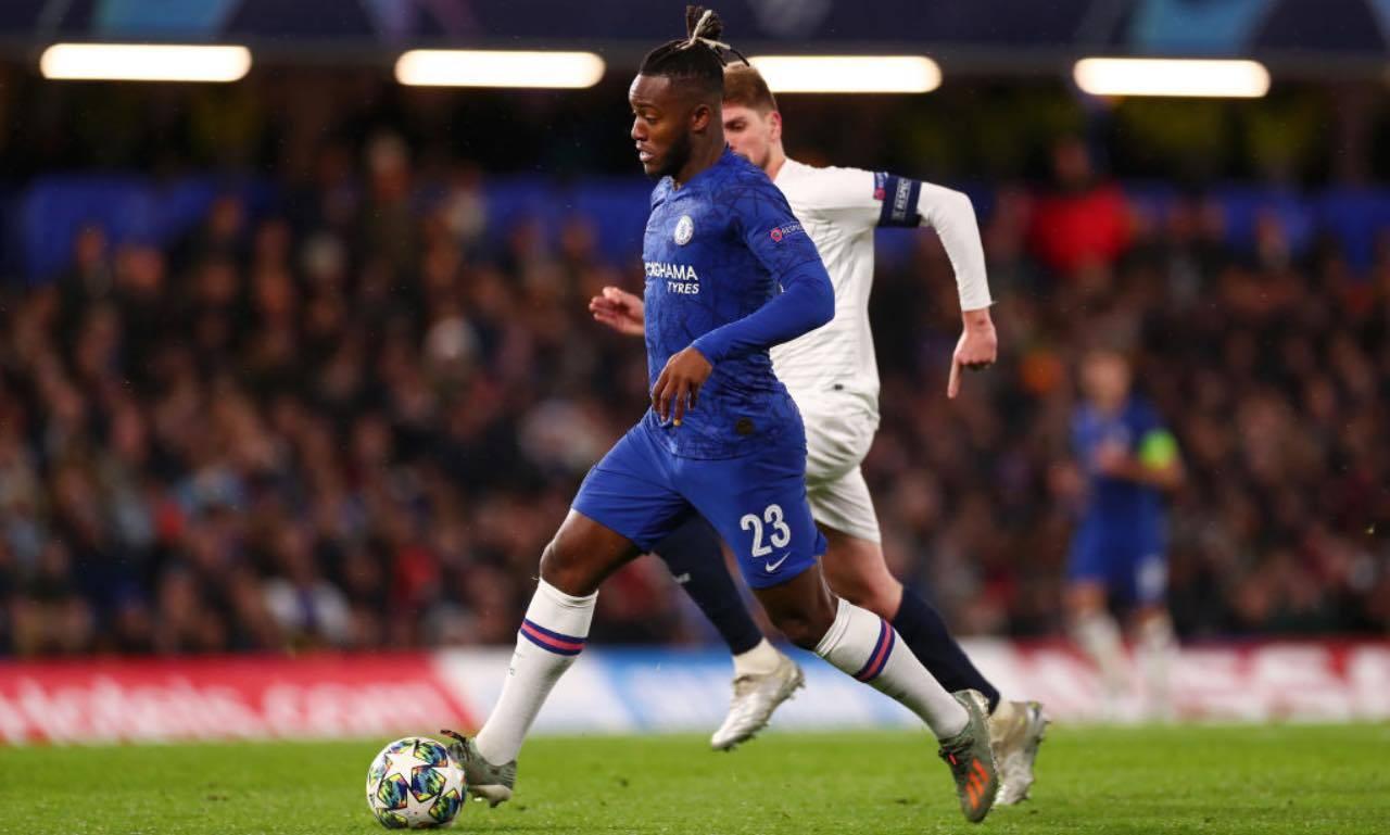 Batshuayi in campo col Chelsea