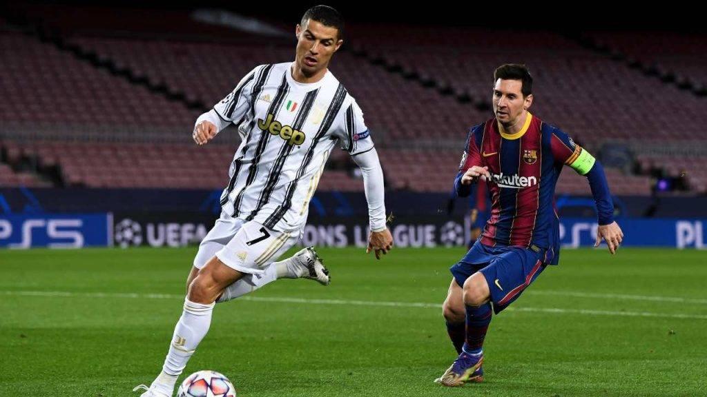 Cristiano Ronaldo e Messi in campo