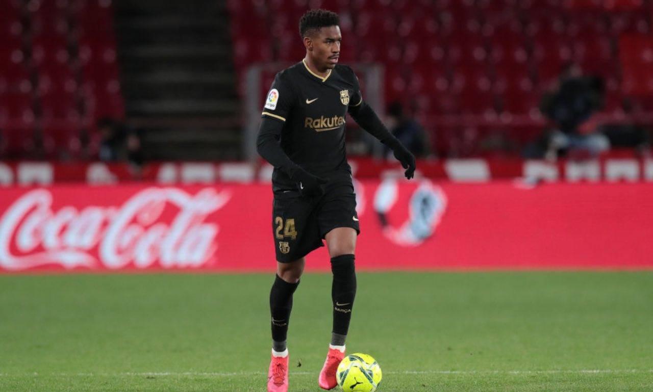Junior Firpo in campo col Barcellona