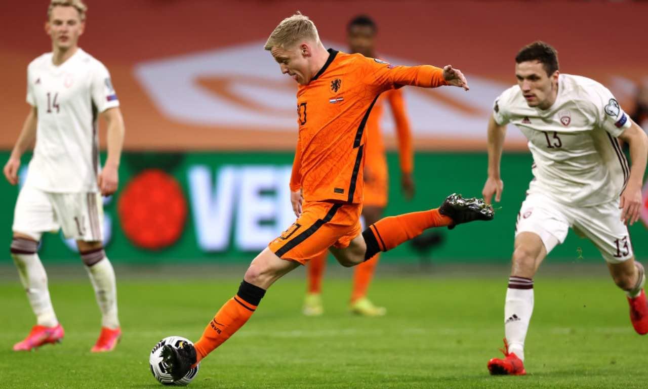 Van de Beek in azione con l'Olanda