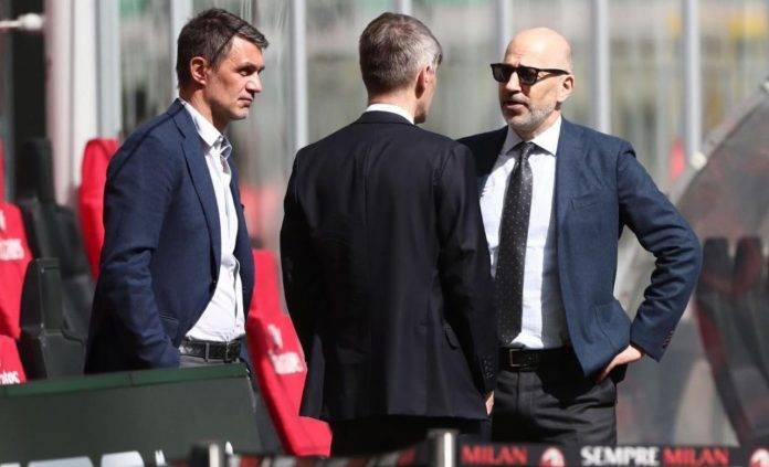 Maldini col Milan in panchina