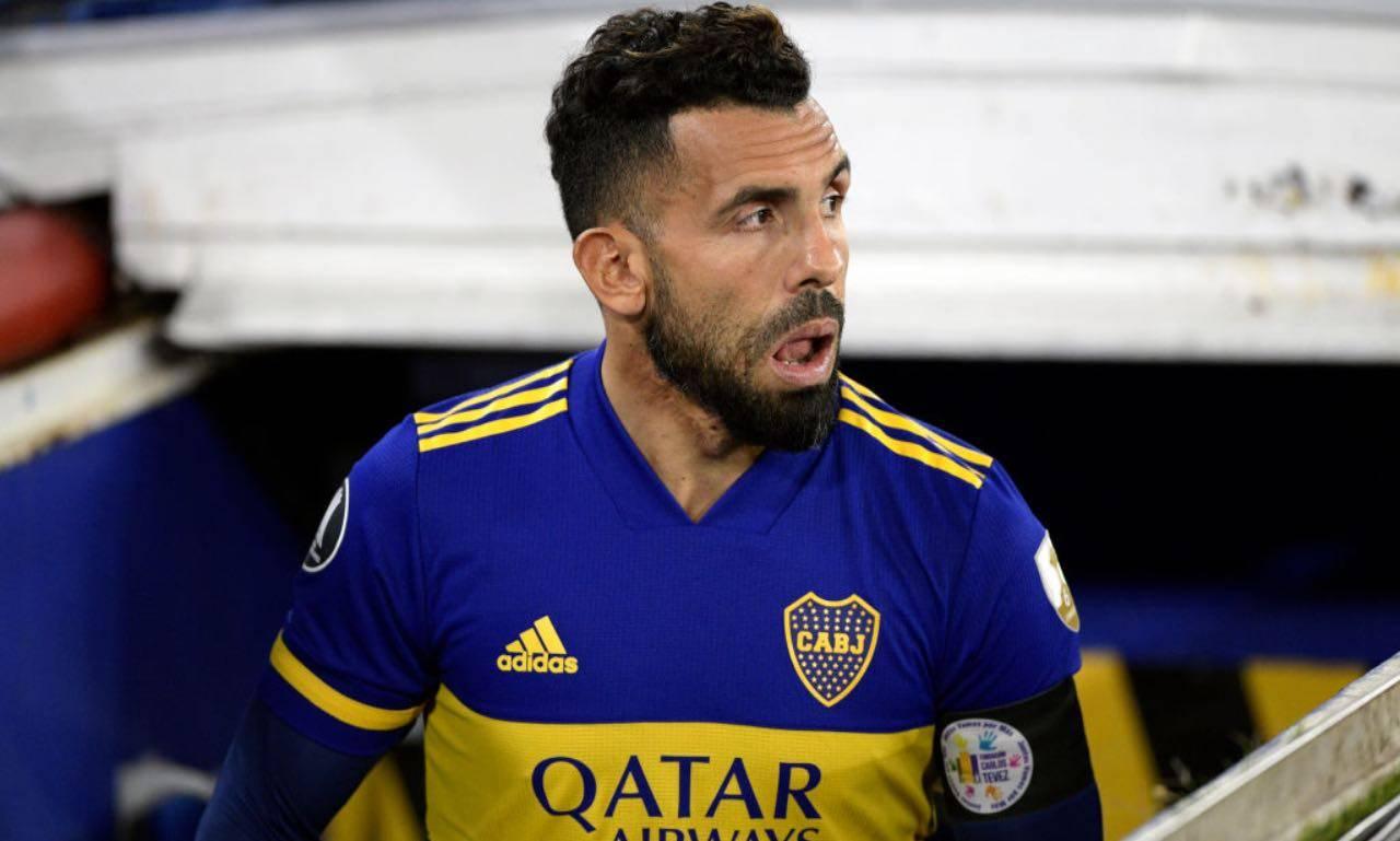 Tevez entra in campo col Boca