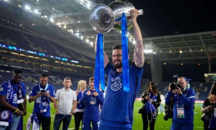 Giroud alza la coppa della Champions League