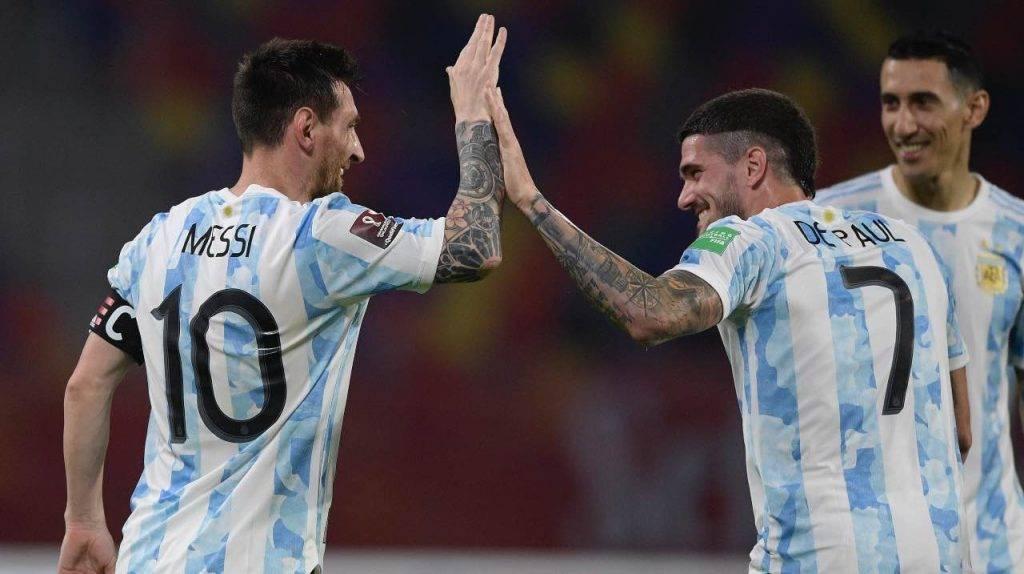 De Paul festeggia con Messi